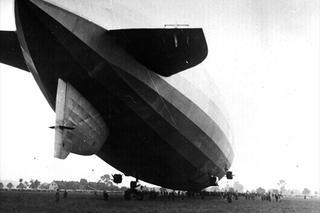 Historische   Aufnahme der Graf-Zeppelin am Dortmund Airport